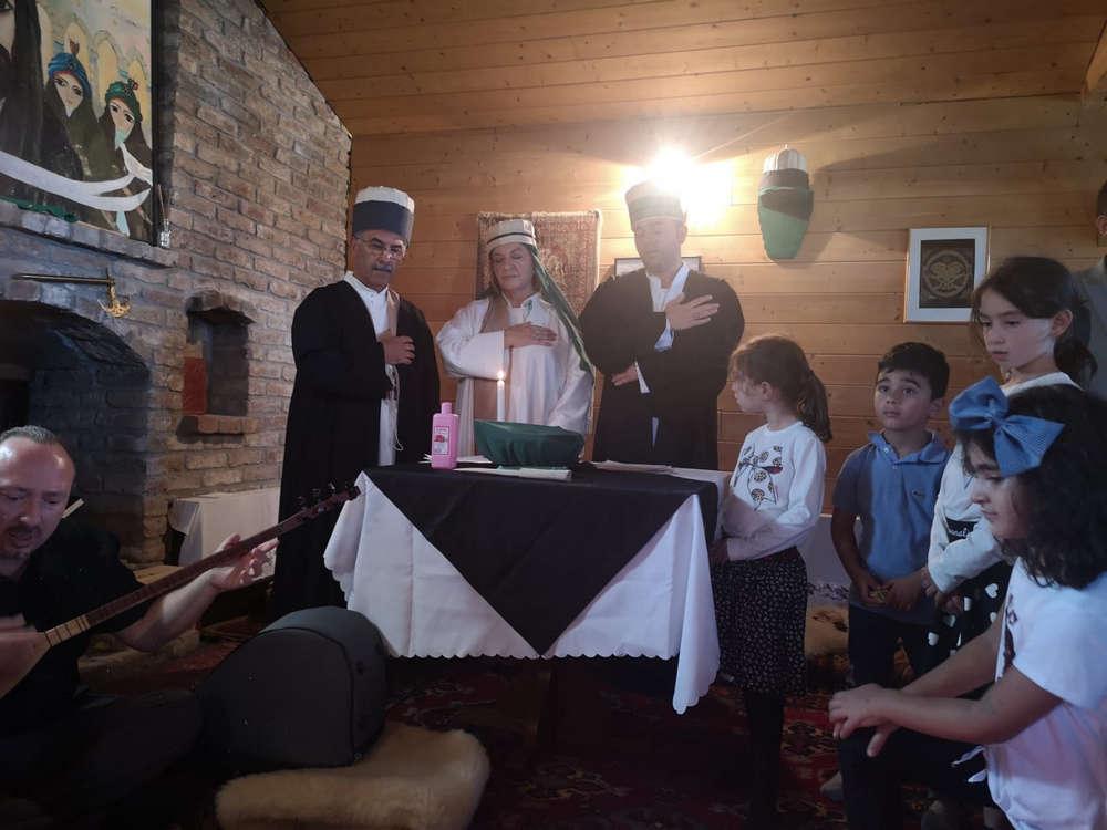 Trauer-Zeremonie (Matem Erkanı)