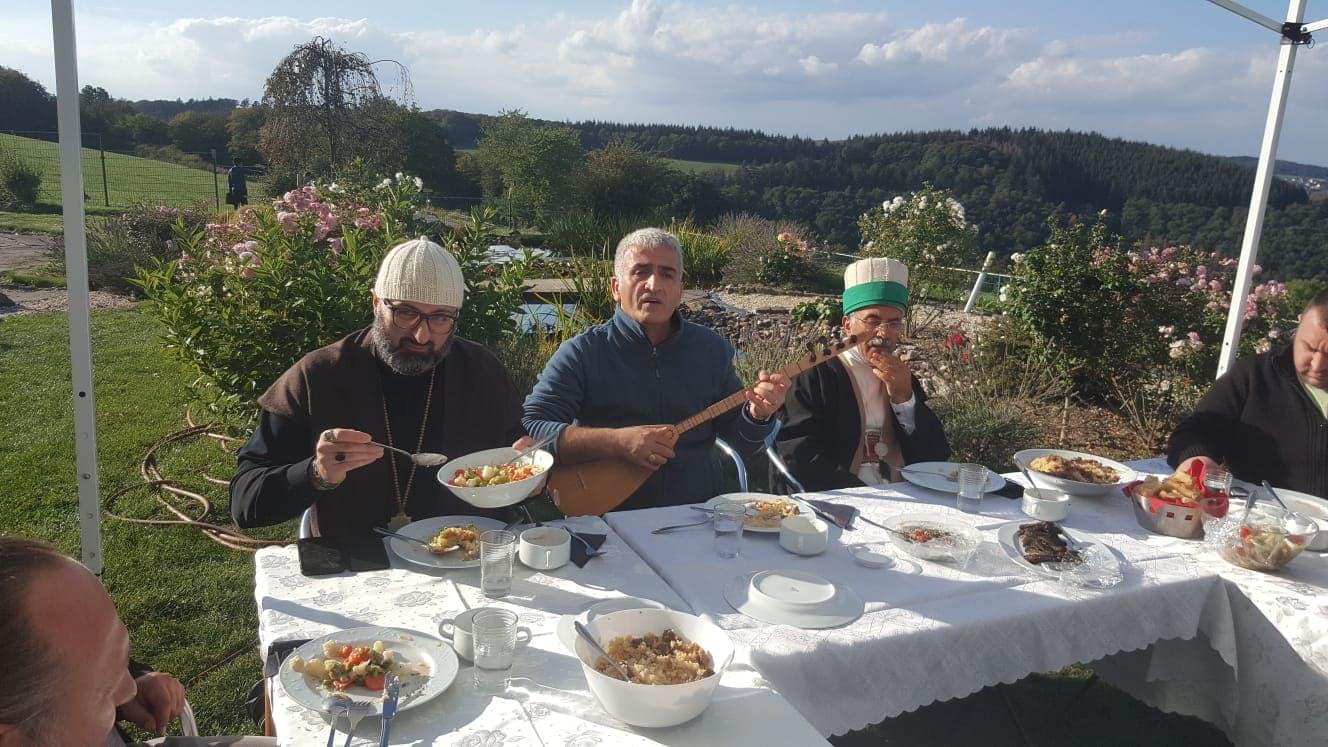 Die Aschura-Zeremonie und Aschura-Essen
